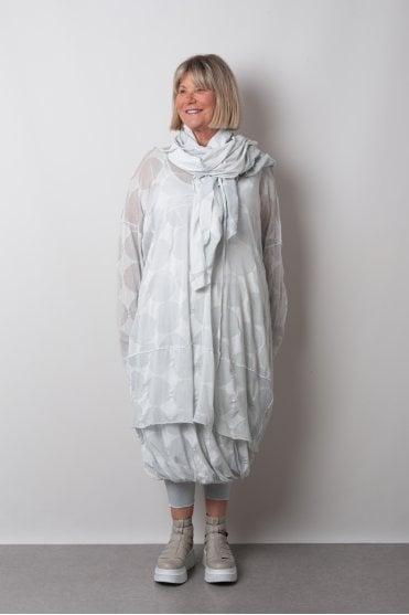 55717af0335346 Grey Print Mesh Dress 3530911